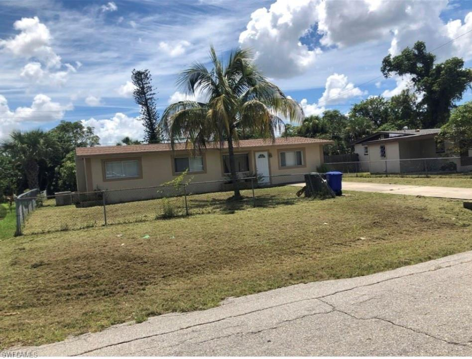2430 PARKWAY, Fort Myers, Florida 33901