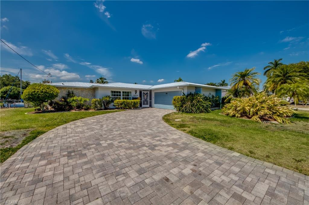 1649 Swan, North Fort Myers, Florida 33903