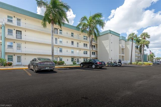 1660 Pine Valley Unit 308, Fort Myers, Florida 33907