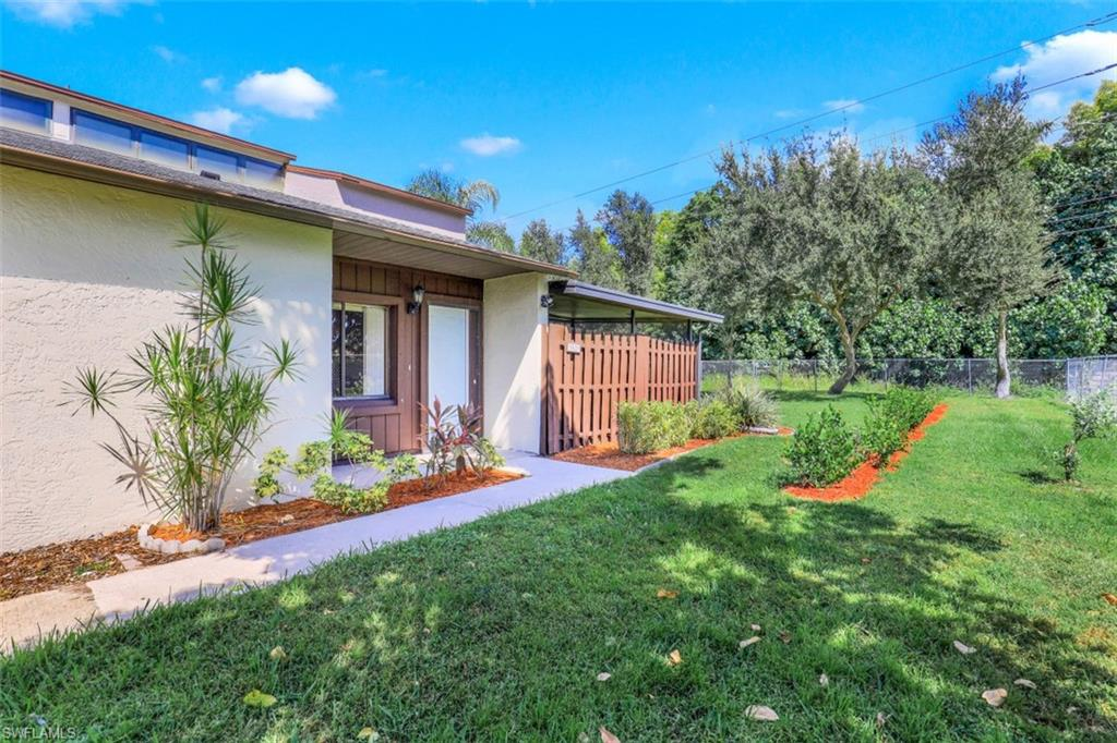 8815 Somerset, Fort Myers, Florida 33919