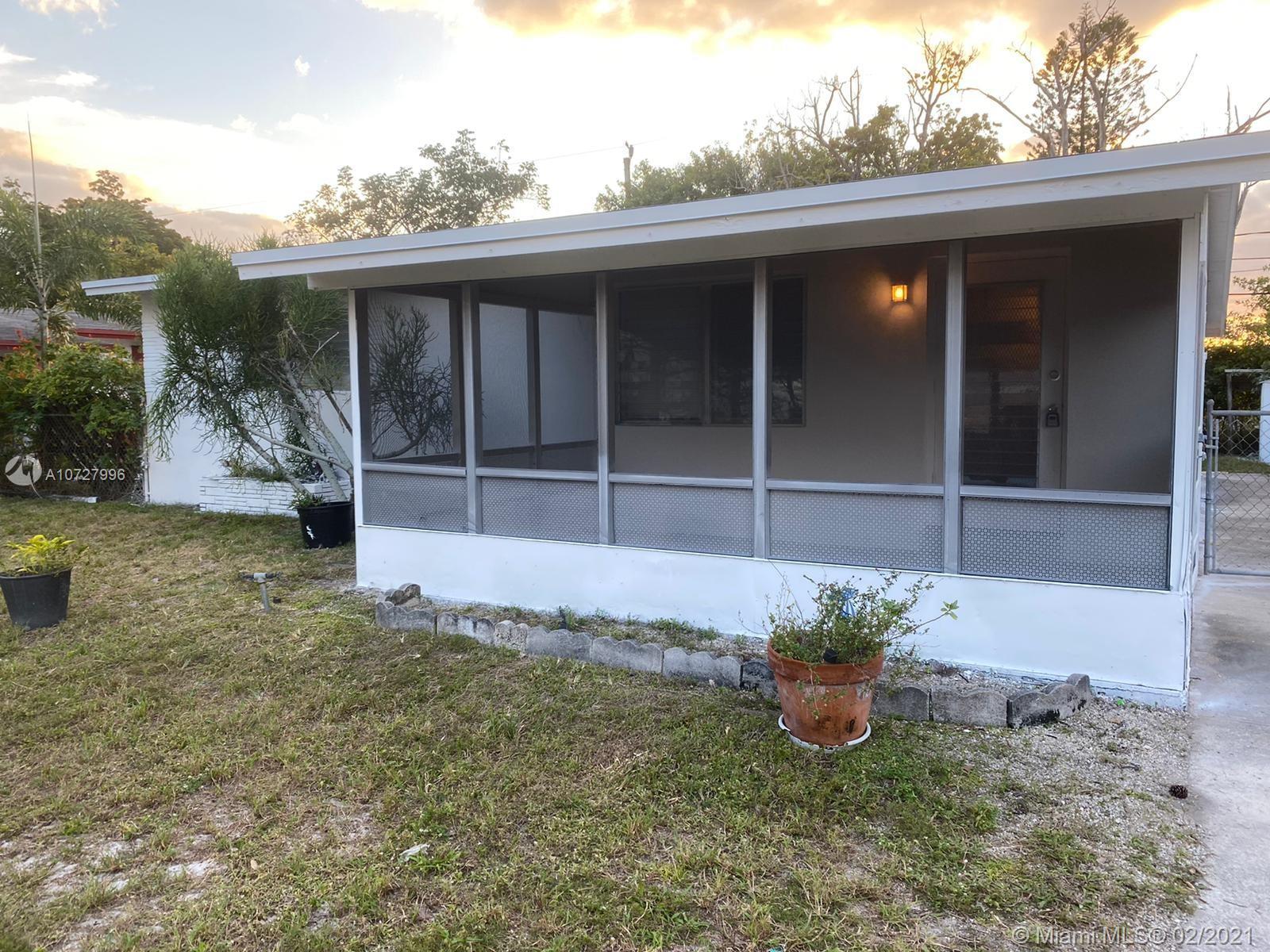 Woodland Park Amd, 401 SW 25th Ter, Fort Lauderdale, Florida 33312