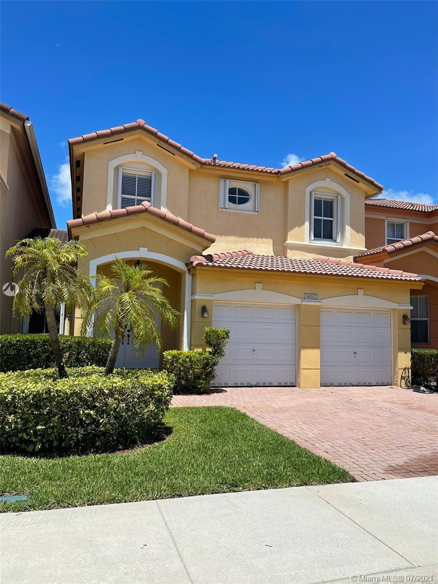8682 NW 109th Ct, Doral, Florida 33178