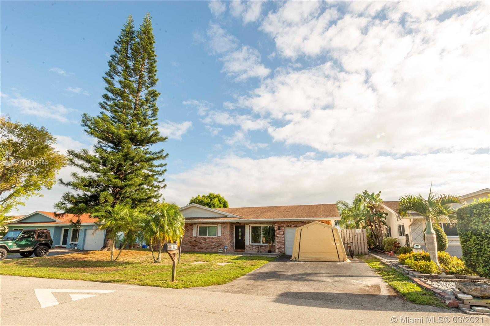 Palm Aire Village, 3322 NW 69th Ct, Fort Lauderdale, Florida 33309