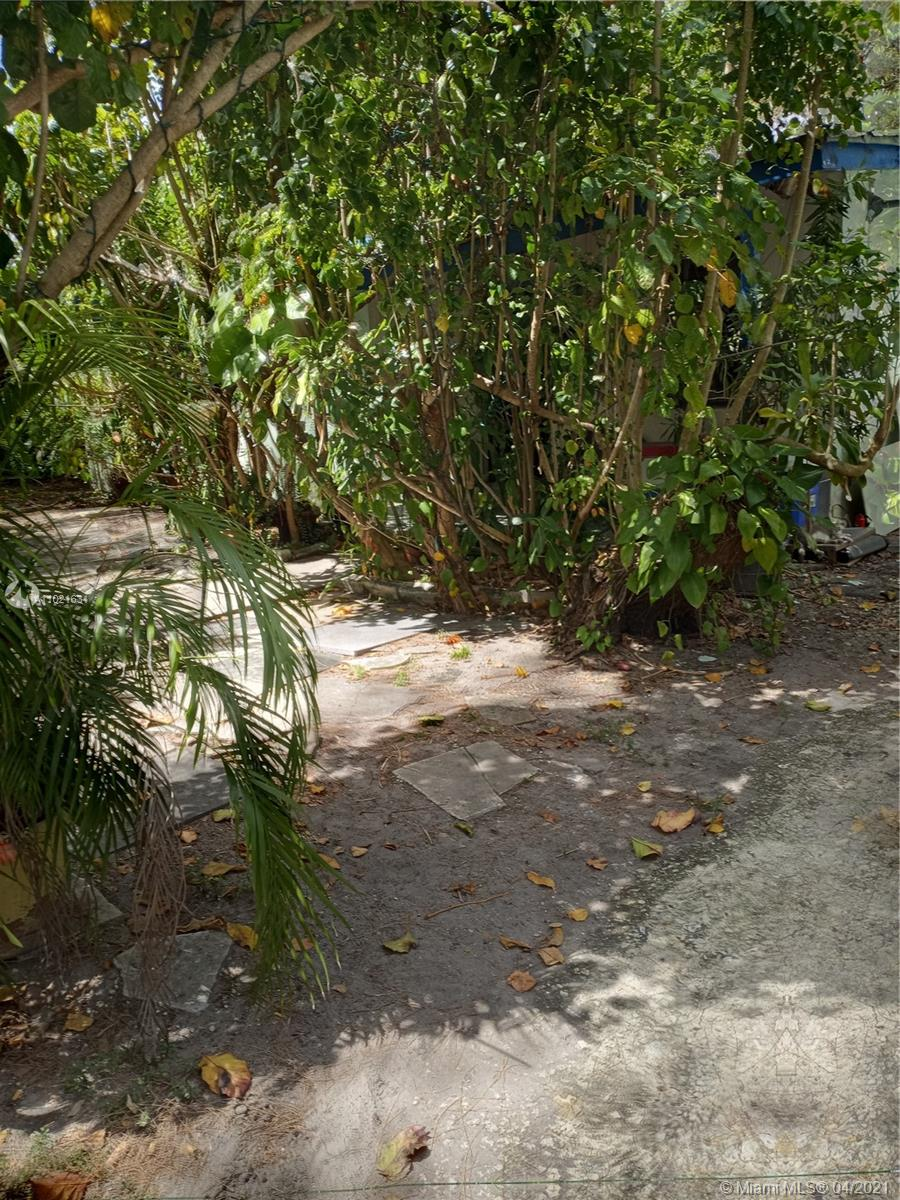 8510 NW 32nd Ct, Miami, Florida 33147