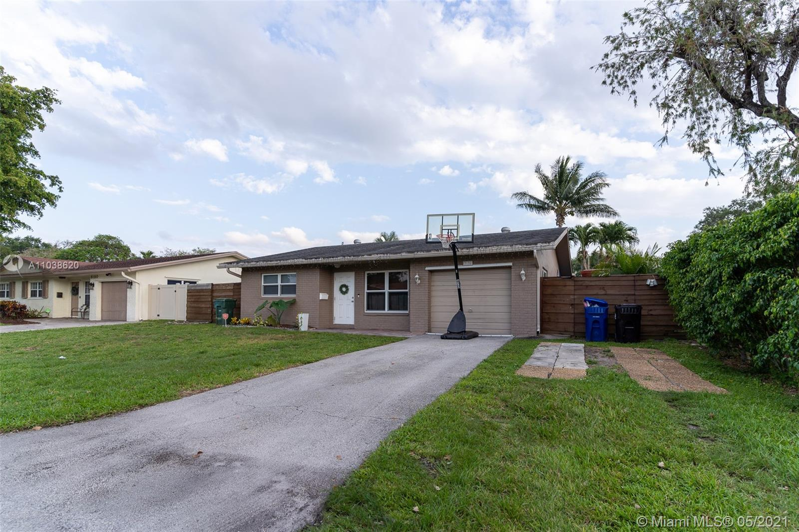 Palm Aire Village, 3136 NW 69th St, Fort Lauderdale, Florida 33309