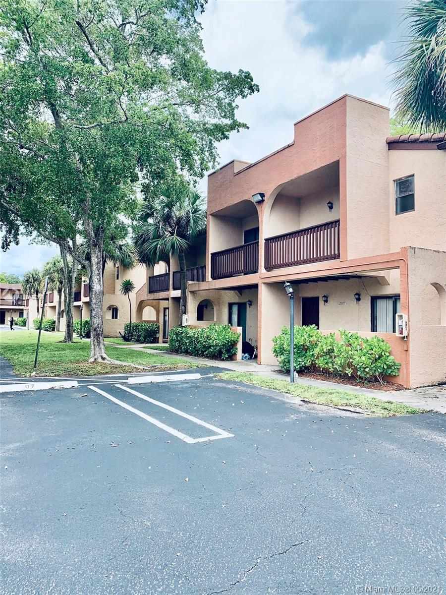 Coral Springs, 10301 NW 33rd St Unit 1-2, Coral Springs, Florida 33065