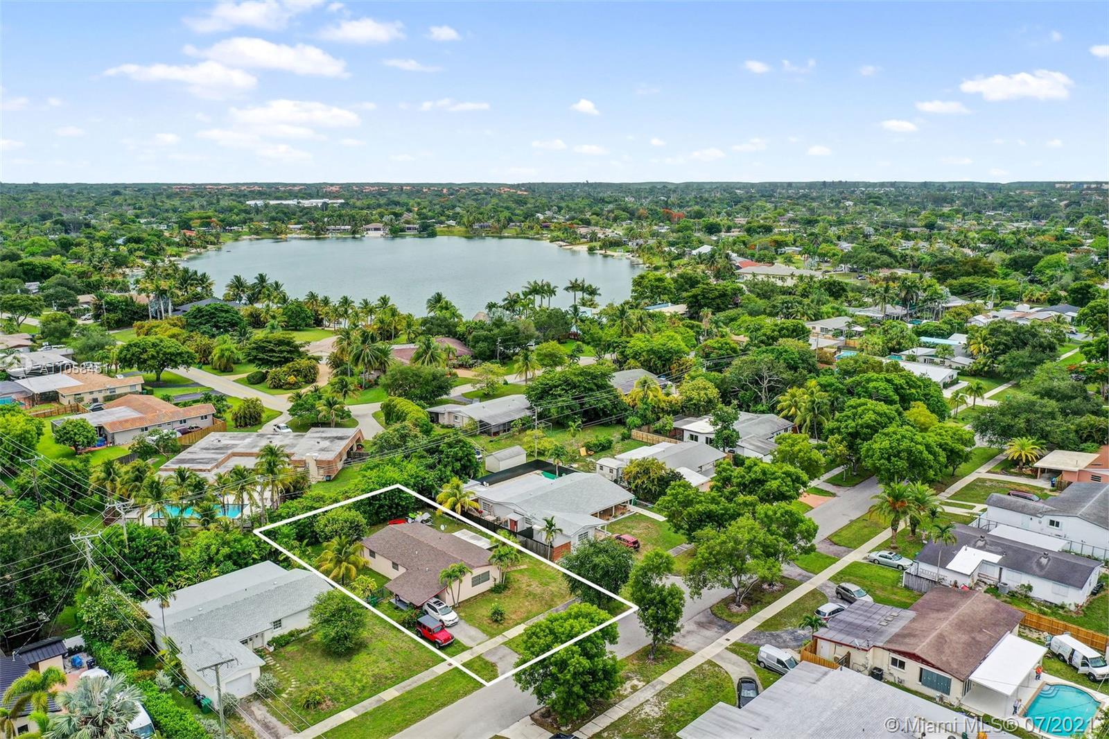 19441 SW Whispering Pines Rd, Cutler Bay, Florida 33157