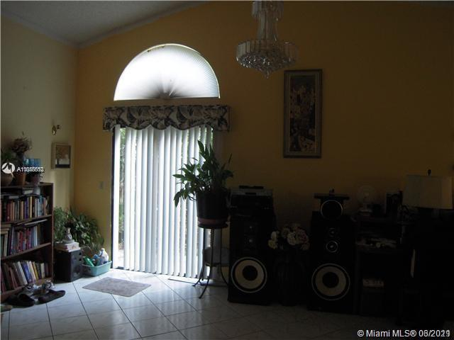 725 Holly St, North Lauderdale, Florida 33068