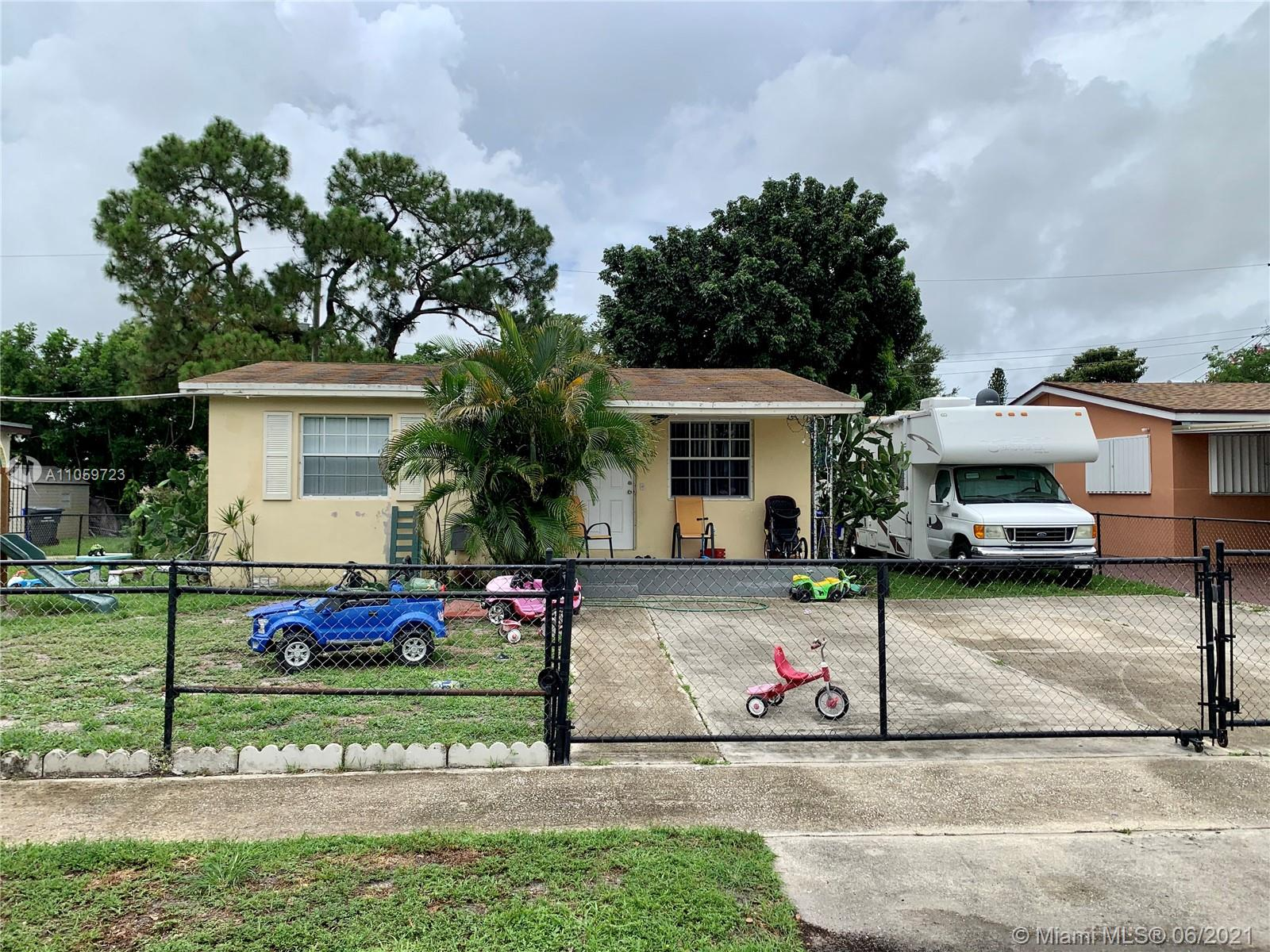 6436 Perry St, Hollywood, Florida 33024