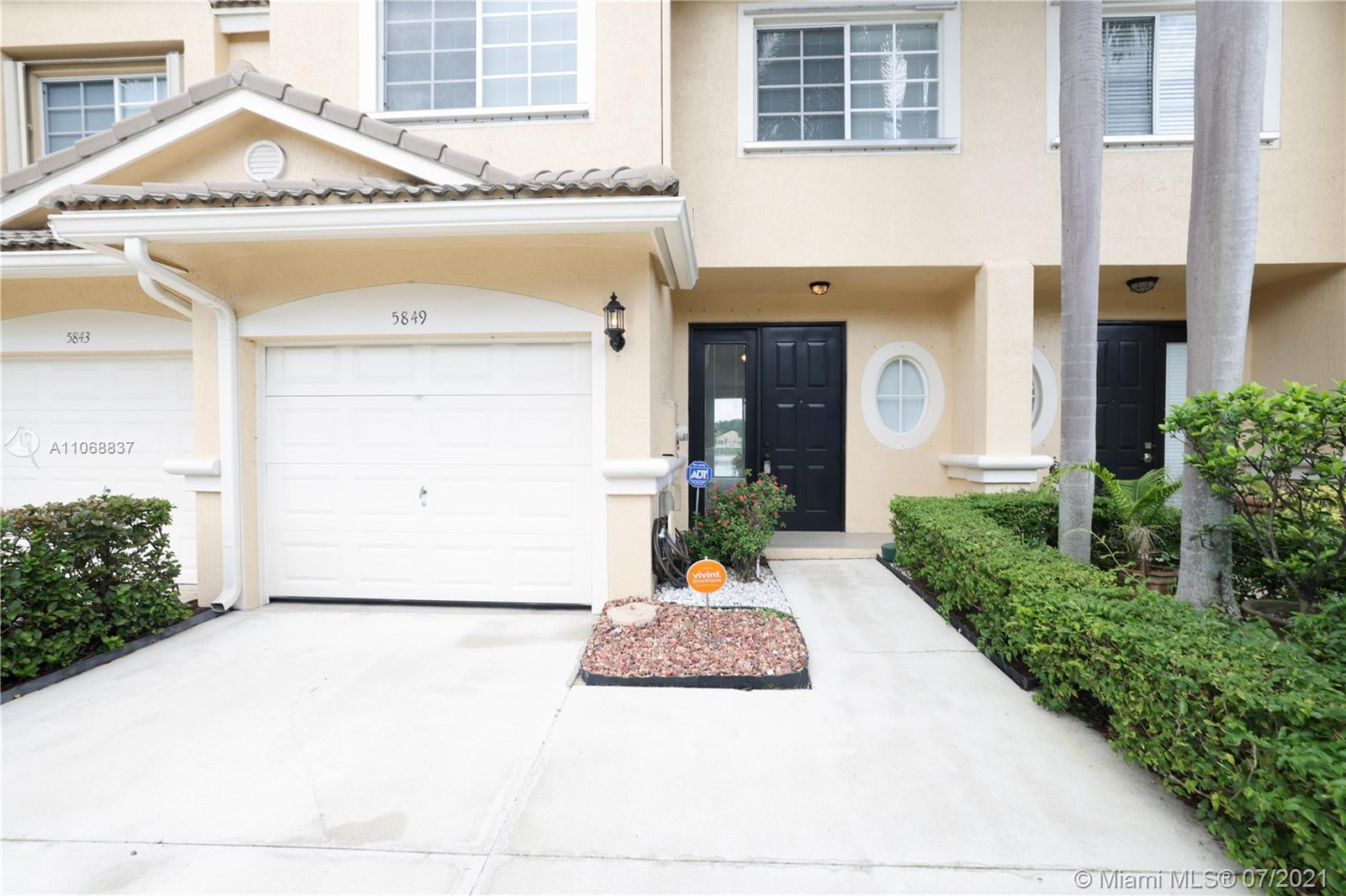 5849 NW 48th Ave, Coconut Creek, Florida 33073