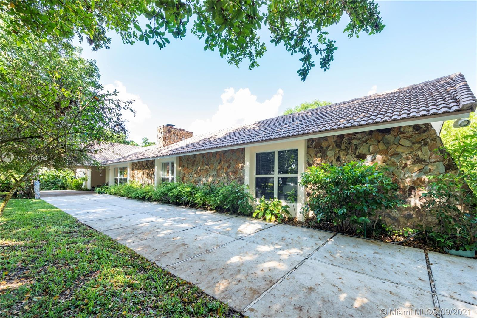 Running Brook Hills, 4020 NW 101st Dr, Coral Springs, Florida 33065