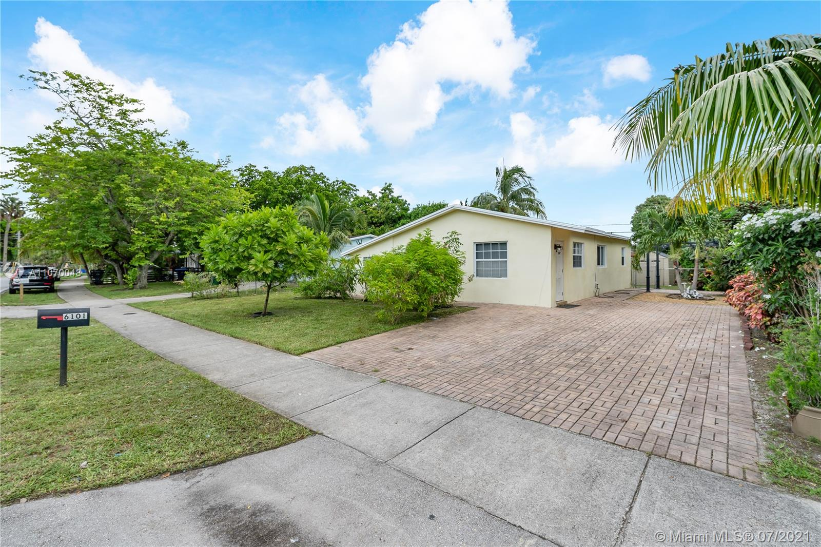 6101 NW 42nd Ave, North Lauderdale, Florida 33319
