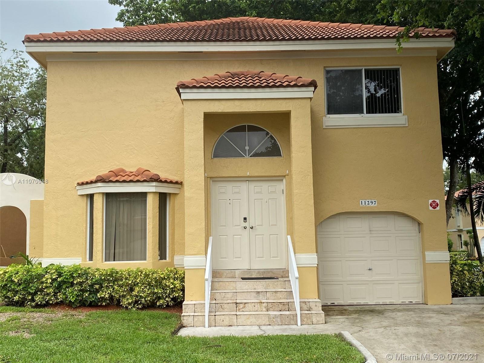11297 Lakeview Dr, Coral Springs, Florida 33071