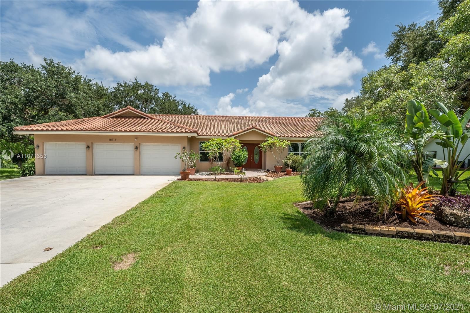 16911 SW 66th St, Southwest Ranches, Florida 33331