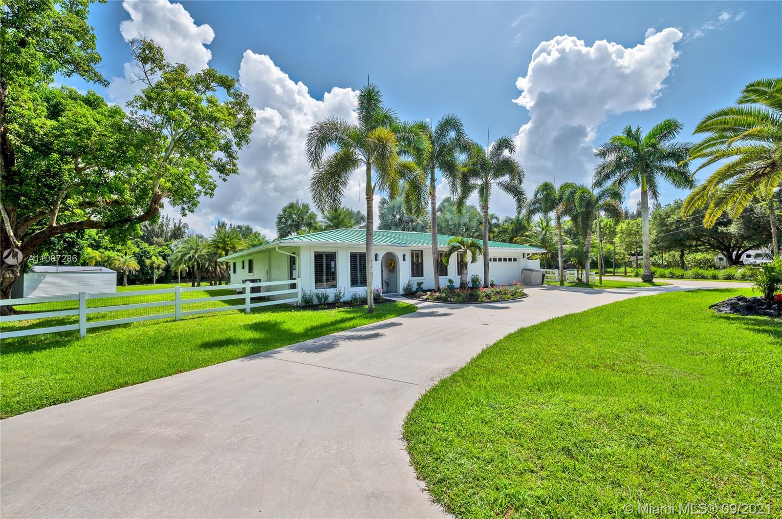 Rolling Oaks, 18201 SW 70th Pl, Southwest Ranches, Florida 33331