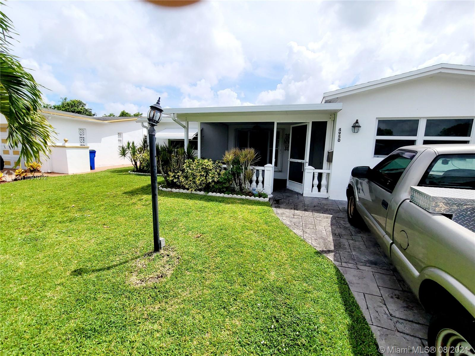 4950 NW 42nd St, Lauderdale Lakes, Florida 33319
