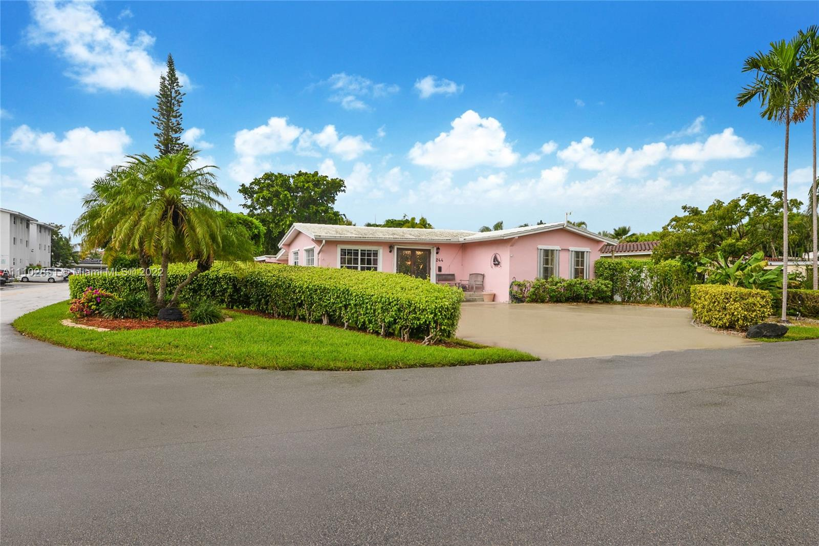 244 Hibiscus Ave, Lauderdale By The Sea, Florida 33308