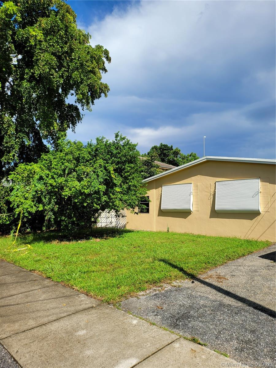 5950 NW 41st Ter, North Lauderdale, Florida 33319