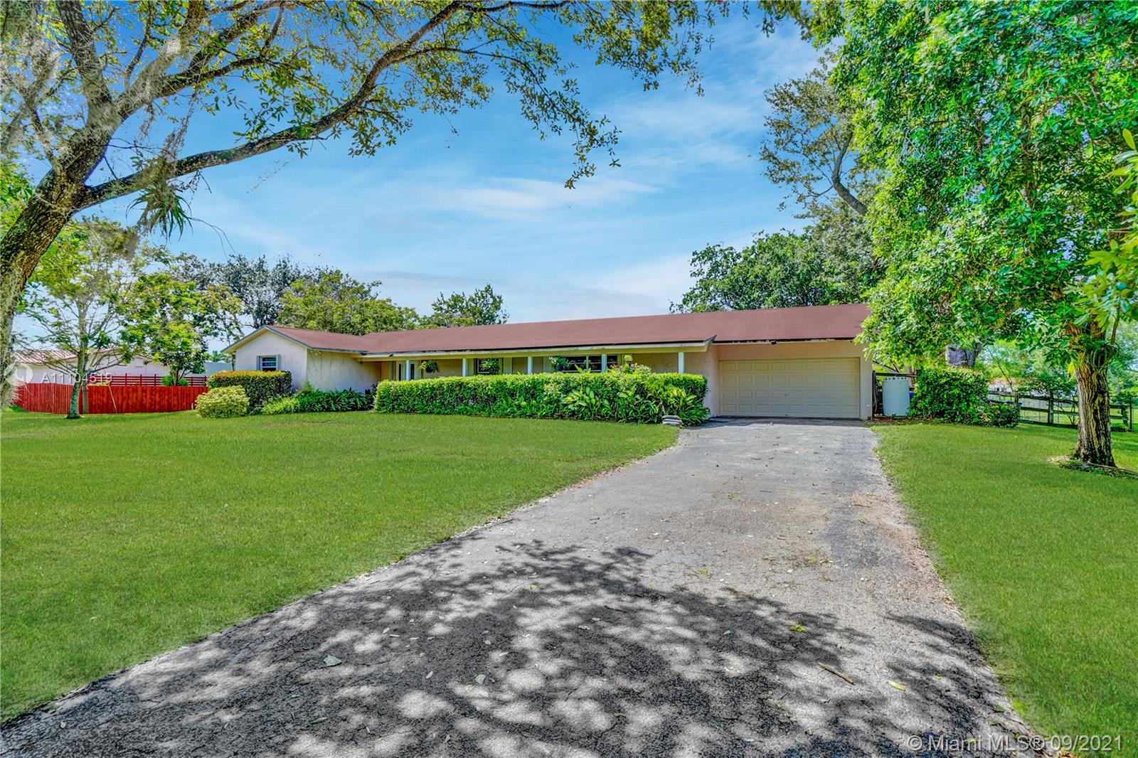 4911 SW 164th Ter, Southwest Ranches, Florida 33331