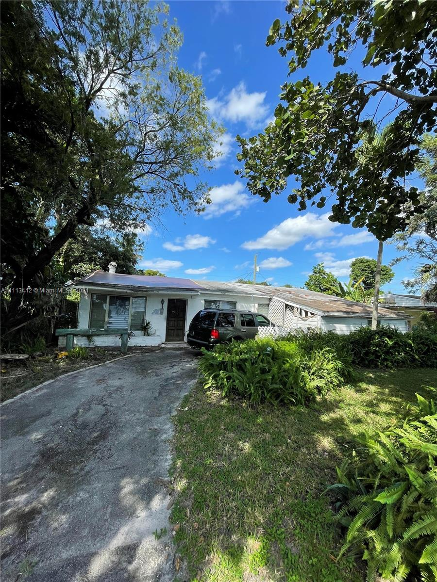 6211 SW 16th St, North Lauderdale, Florida 33068