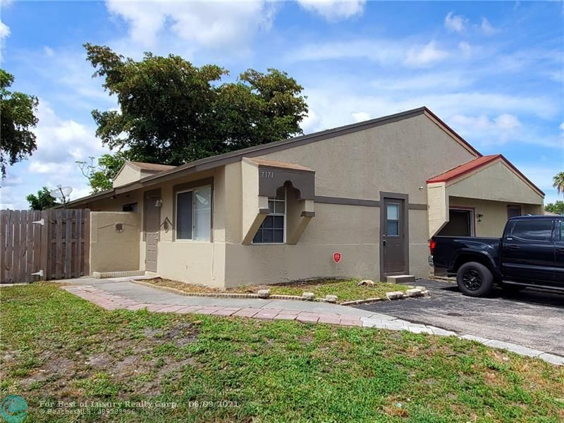 7171 SW 14TH ST, North Lauderdale, Florida 33068