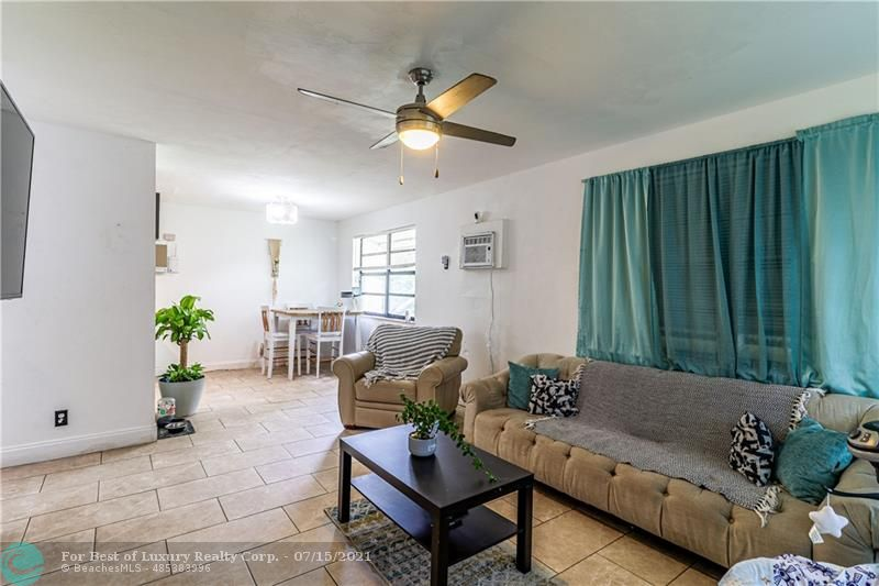 2099 NW 27th St, Oakland Park, Florida 33311