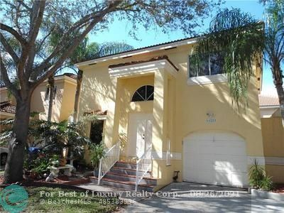 11223 Lakeview Dr, Coral Springs, Florida 33071