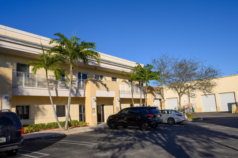 2755 N Vista Unit 10, West Palm Beach, Florida 33411