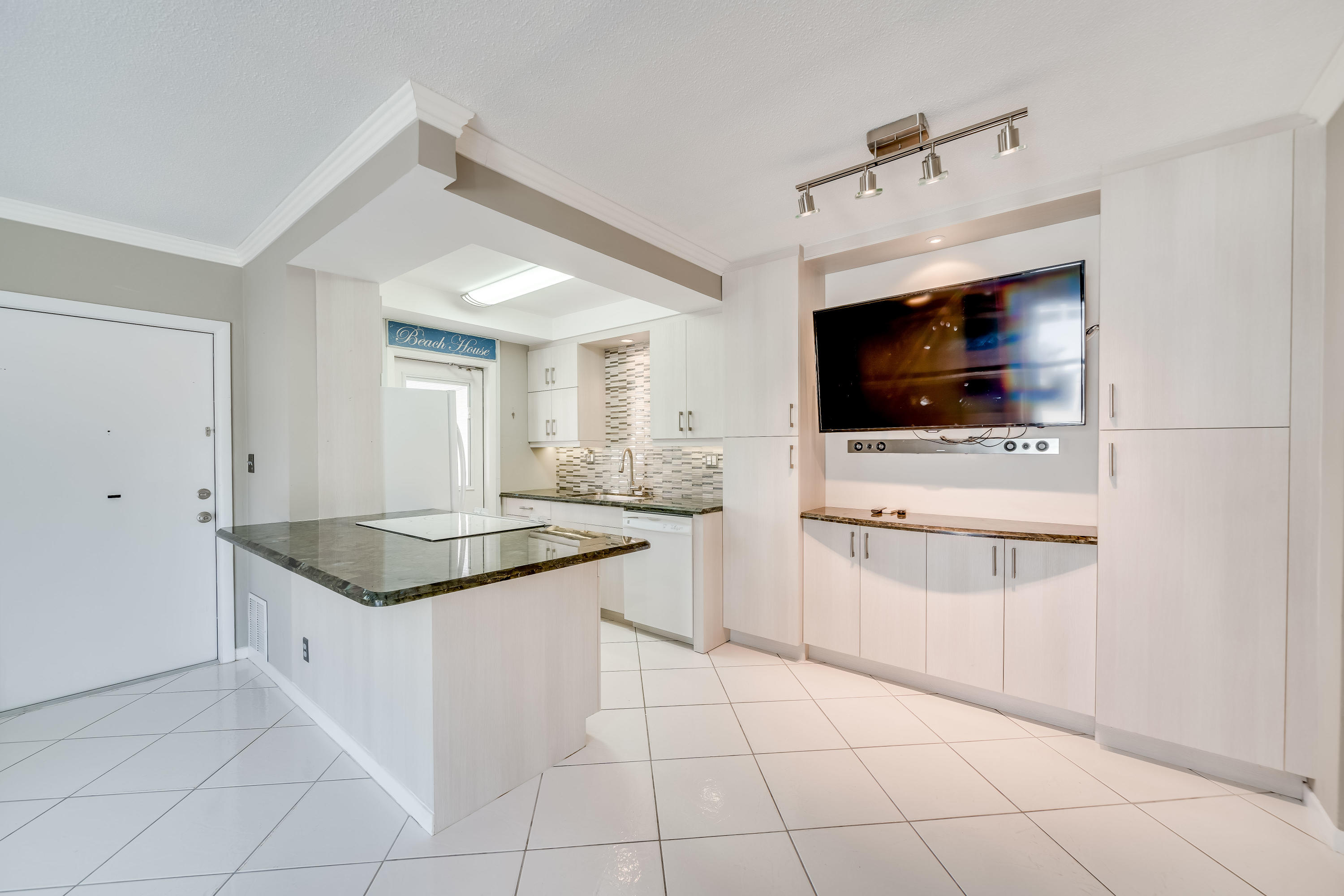 234 Hibiscus Unit 174, Lauderdale By The Sea, Florida 33308
