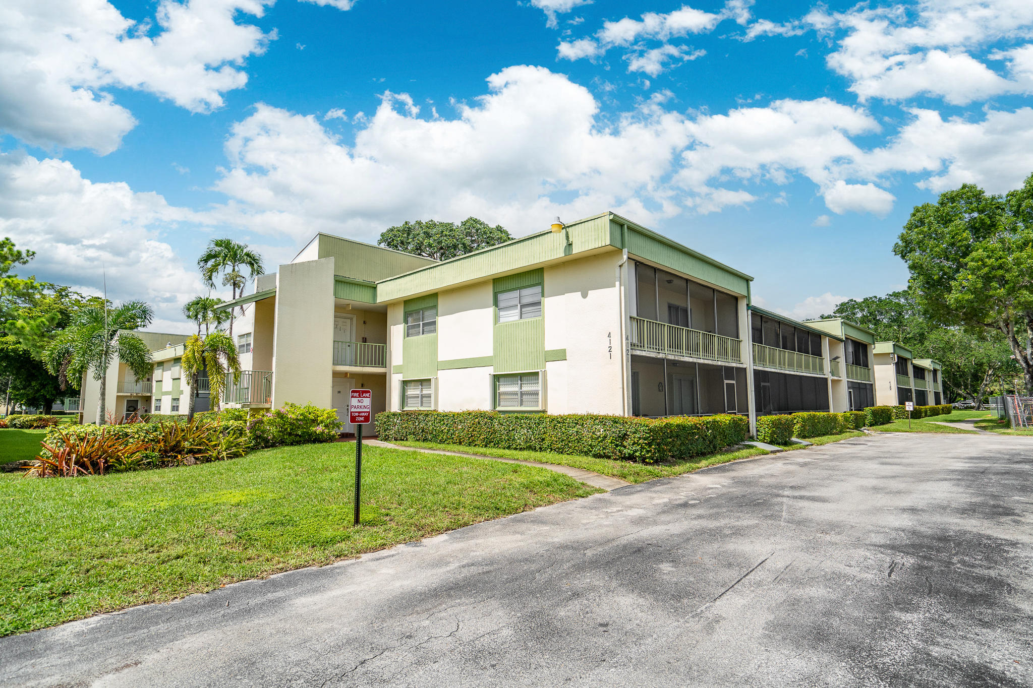 4121 NW 88th Unit 102, Coral Springs, Florida 33065